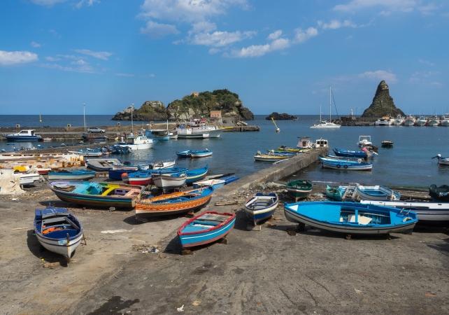 Faraglioni di Aci Trezza Scopri la Sicilia