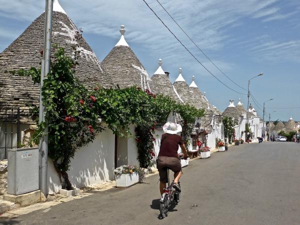 Tour Puglia tra Barocco e Trulli ITALIA