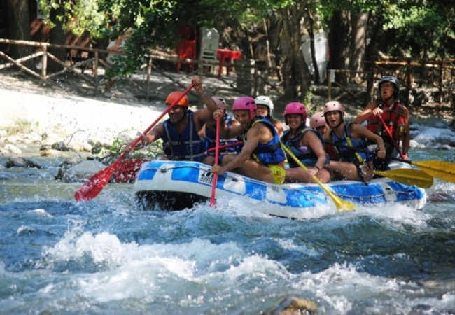 Tra rafting trekking e grotte Tour in Calabria