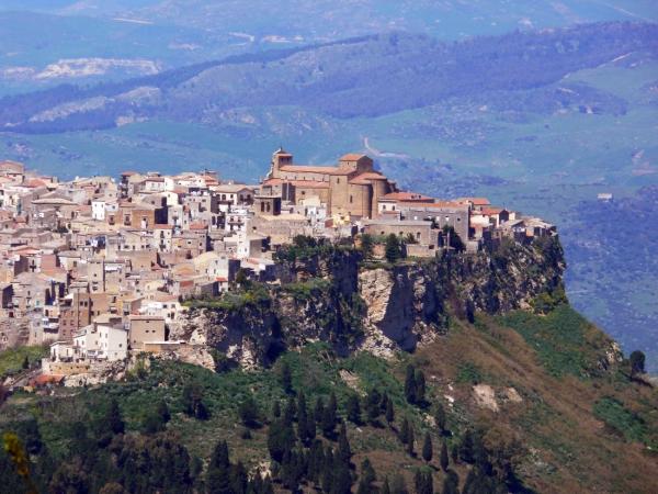 Tour Sicilia ''Tra romani  medioevo e zolfare'' ITALIA