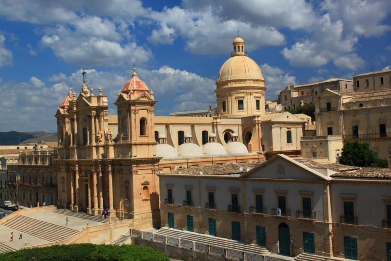 Tour Isole Eolie e Sicilia barocca